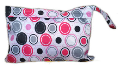 Luieretui / wetbag roze cirkels